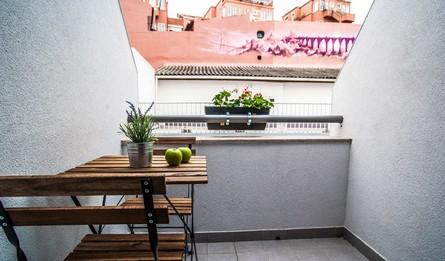 Aluguer Apartamentos Longa Duracao T1 Portugal Lisboa Vila Marques Casa Da Nascente Varanda Pateodasbuganvilias