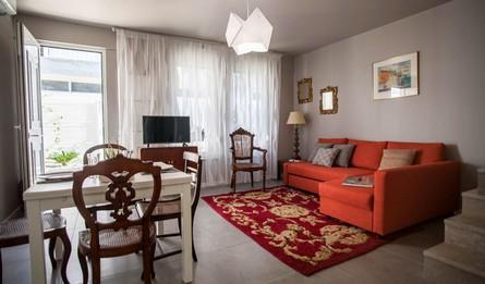 Aluguer Apartamentos Longa Duracao T1 Portugal Lisboa Vila Marques Casa Do Aqueduto Dining Room Pateodasbuganvilias